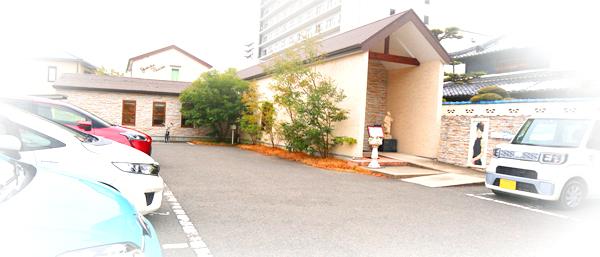 YOSHIKA駐車場