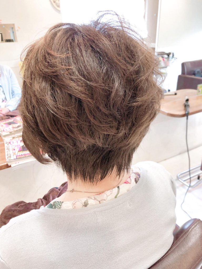 トップボリュームのショートヘア